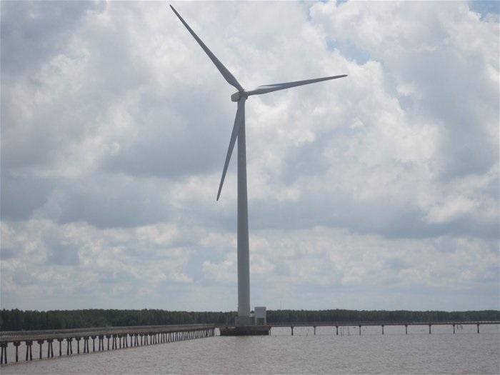Bến Tre họp dân khởi công xây dựng 7 dự án nhà máy điện gió hơn 20 ngàn tỉ đồng